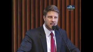 Deputado diz que anúncio sobre investimentos é mentira do governador