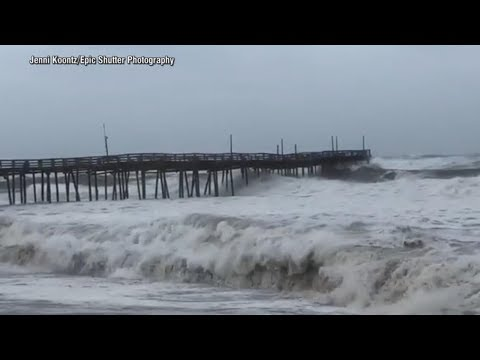 Hurricane Florence closes in on the Carolina coast