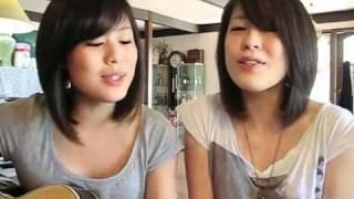 Hai chị em sinh đôi xinh đẹp hát hay gây sốt trên Youtube   VNMON Com   Giải Trí Trực Tuyến Miễn Phí