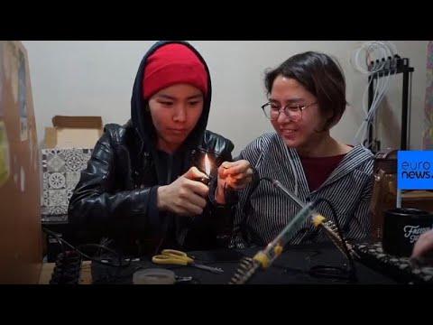 Νεαρές γυναίκες φτιάχνουν τον πρώτο δορυφόρο του Κιργιστάν!…