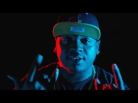 Stevie Stone Ft. Darrein Safron  - Fall In Love With It