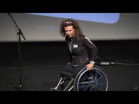 פסקל ברקוביץ' נואמת בוועידת נשים, שכר וקריירה