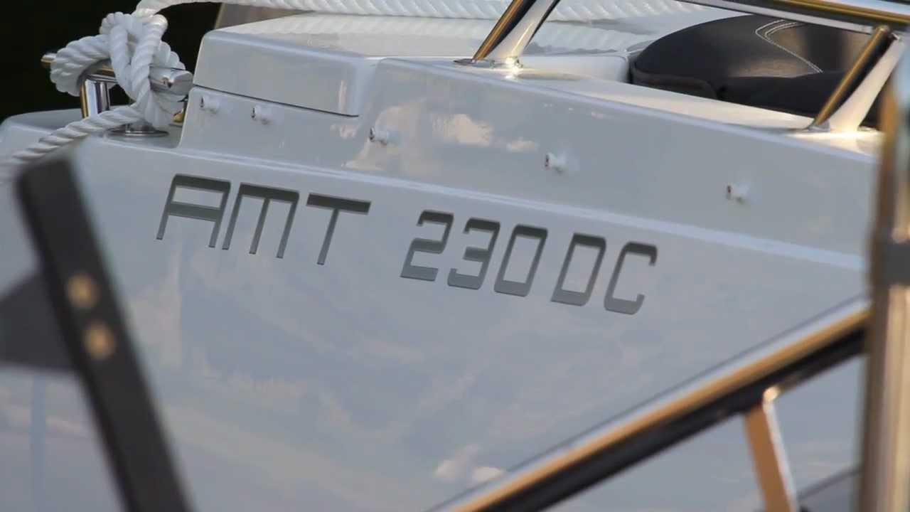 Каютный катер AMT 230 DC – Широкий кокпит, просторная каюта и элегантные детали. Обзор экстерьера катера
