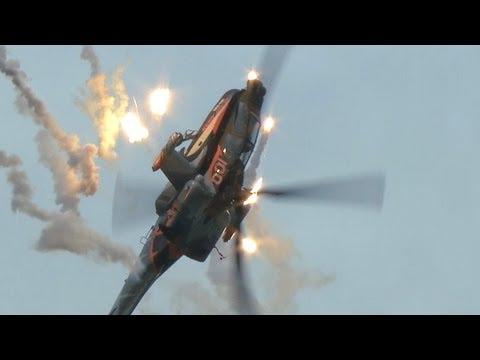 直升機 阿帕契 倒飛特技表演