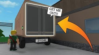 LOL! WE TRAPPED THE MURDERER IN HERE! (Roblox Murder Mystery 2)