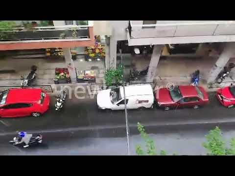 Video - Καιρός: Άνοιξαν οι ουρανοί στην Αττική - Δρόμοι ποτάμια στο Παγκράτι - video
