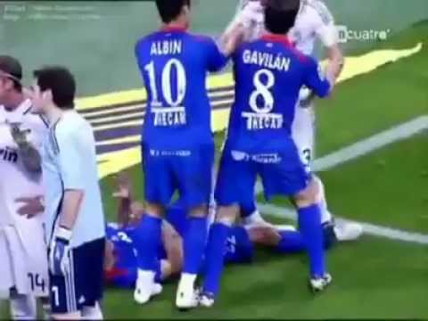 Pepe goes crazy! Animal red card - Real Madrid vs Getafe (21 04 2009) (видео)