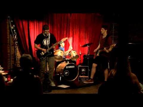 Rebelfish - Slippin By at The Undgerground