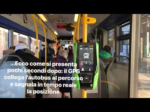 Un giro sul bus per scoprire come funziona la nuova macchina che convalida biglietti e abbonamenti a Varese