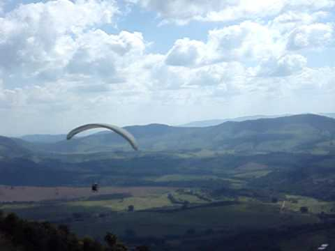 Fred pulando de paraglider em Cambuquira .