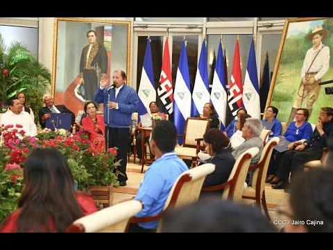 Entregan reconocimientos a mejores estudiantes y docentes de Nicaragua