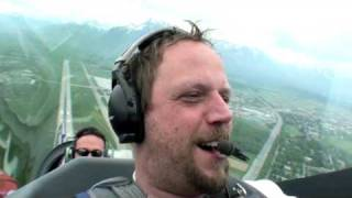 Smudo von Fanta 4 fliegt mit Red Bull Air Race Pilot Dolderer (Deutsch)