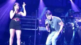 todo vuelve a empezar live luis fonsi with ana isabelle