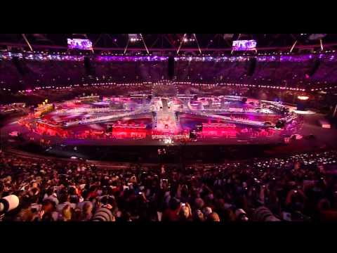 One Direction - What Makes You Beautiful (Live Olympics Closing Ceremony 2012)