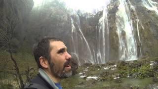 Rodearme de Cascadas en Plitvice