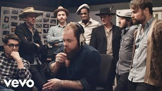 Nathaniel Rateliff & The Night Sweats - I Need Never Get Old (Official Music Video)