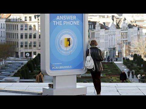 Βρυξέλλες: Η πόλη γέμισε τηλέφωνα