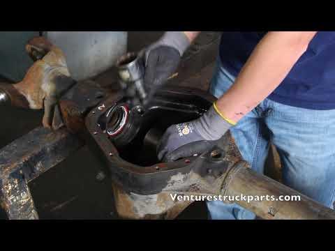 Inner Tube Differential Oil Seal Removal Dana 44, Dana 50