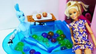 Barbie muñecas y juguetes de Monster High. Vídeos para niñas.