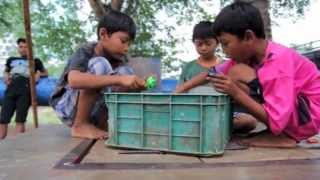 Gambar cover Urban Poverty: Kampung Karet Tengsin