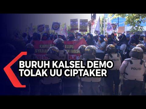 aliansi buruh di kalsel unjuk rasa tuntut uu omnibus law ciptaker segera dibatalkan