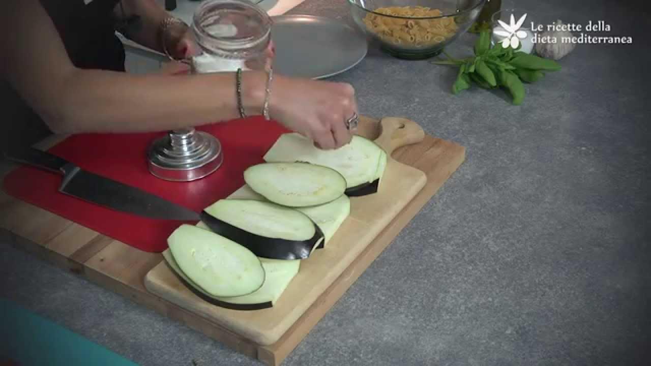 Mezze penne rigate alle melanzane – Le ricette della dieta mediterranea