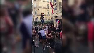 Париж празднует победу