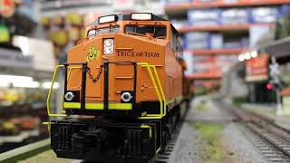 MTH #30-20429-1 ES44AC Imperial Diesel & Caboose Set With Proto Sound 3.0