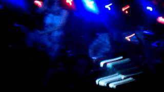 """""""Caves"""" - Chiodos (Live)"""
