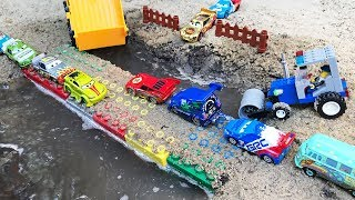 Cars Lightning McQueen Racers and Build River Crossing Bridge - Videos For Kids