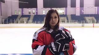 Форвард сборной Казахстана Зарина Тухтиева приглашает на матч Звёзд ЖХЛ