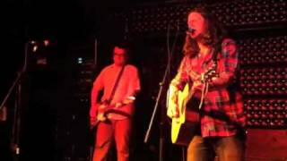 Drag The River - She Used to Smile (2/13/11 - Casbah, San Diego)