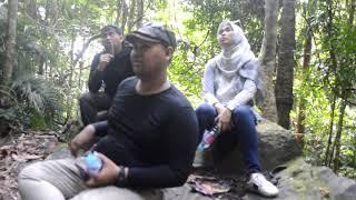 preview picture of video 'Perjalanan kami menaiki bukit kelam'