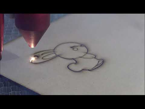 Cięcie płyty pilśniowej 3mm laserem Co2 seria C | Beaverboard 3mm cutting using Co2 laser C series - zdjęcie