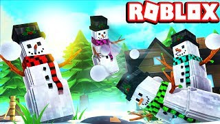 JUST A FAMILY HITTING EACH OTHER IN THE FACE WITH SNOW BALLS! -- ROBLOX SNO DAY!