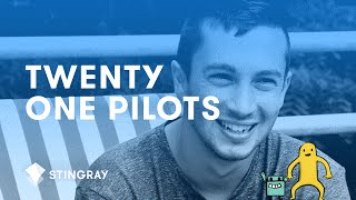 Tyler from twenty one pilots talks about bumping himself