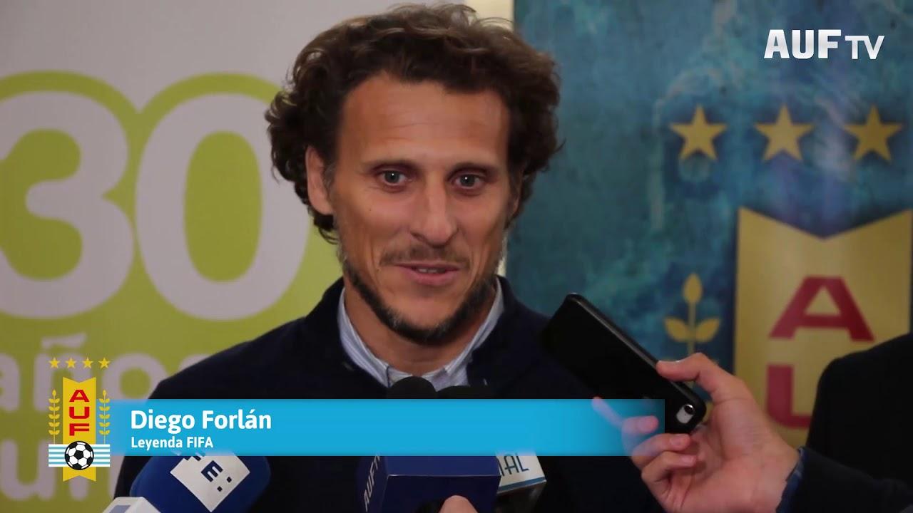 Diego Forlán compartió una jornada con la ONG Gurises Unidos