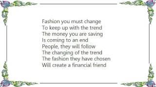 Chaos UK - Fashion Change Lyrics