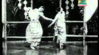 Chalko Chalko Na Ras Ki Gagariya - YouTube