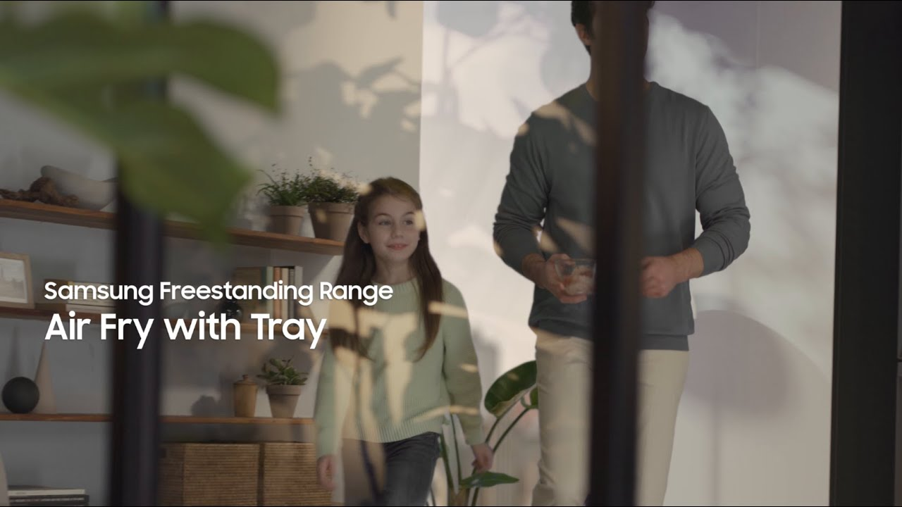 Samsung Smart Freestanding Range: Healthier Cooking with Air Fry thumbnail