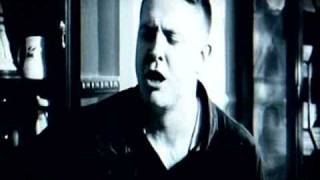 Damien Dempsey, Chase The Light, Imeall