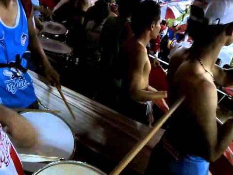 """""""Dale Junior♫ La Banda De Los Kuervos"""" Barra: La Banda de Los Kuervos • Club: Junior de Barranquilla"""