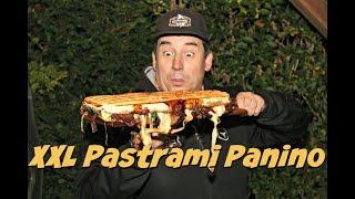 XXL Pastrami Panino vom Grill - Pastrami Sandwich