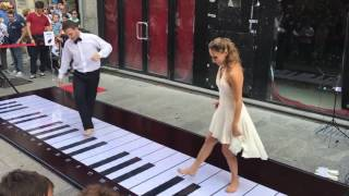COUPLE FOOT PIANO - Pink Panther Theme