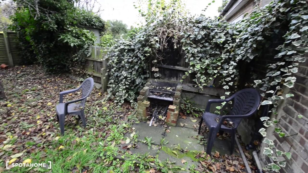 Rooms to rent  in traditional houseshare with garden near Hornsey Rail Station