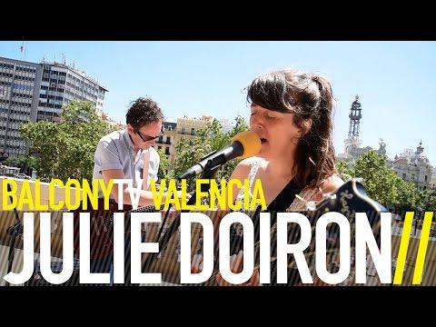 JULIE DOIRON - BÁILAME (BalconyTV)