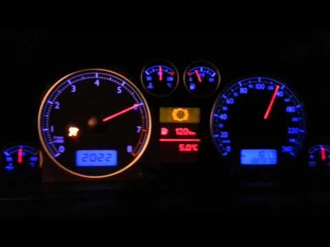 Das Benzin der Liter die Kilometer zu übersetzen