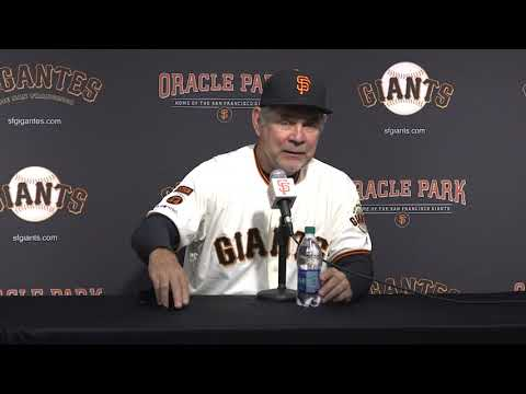 Bruce Bochy gets emotional with final question as Giants manager