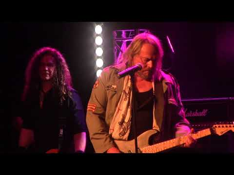 DOKKEN BREAKING THE CHAINS WITH EXTENDED DON DOKKEN LEAD GUITAR SOLO CANYON CLUB AGOURA  10/12/2019