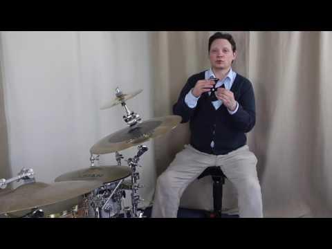 Schlagzeug spielen: Alles über Becken